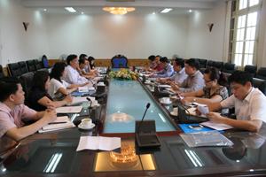 Đồng chí Bùi Văn Tỉnh, UVT.Ư Đảng, Chủ tịch UBND tỉnh làm việc với đoàn công tác Liên hiệp các tổ chức hữu nghị Việt Nam.