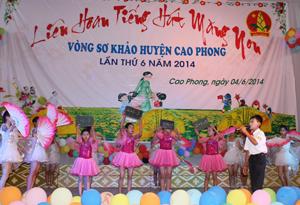Một tiết mục tham gia liên hoan tiếng hát măng non huyện Cao Phong năm 2014.