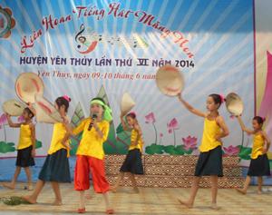 Một tiết mục trong Liên hoan tiếng hát măng non huyện Yên thuỷ làn thứ VI năm 2014.