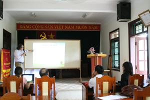TS. Nguyễn Đăng Nghĩa - Giám đốc Trung tâm Nghiên cứu Đất - Phân bón & Môi trường phía Nam thuyết trình công nghệ phân bón nano.