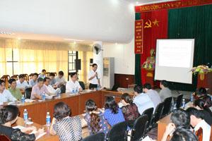 BQL Dự án PSARD Hòa Bình trao đổi kinh nghiệm với các thành viên dự án giảm nghèo PRPP tỉnh Thanh Hóa.