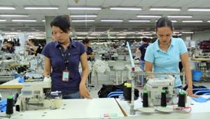 Cộng đồng doanh nghiệp Mỹ đánh giá cao biện pháp bảo vệ doanh nghiệp của Việt Nam. Trong ảnh: Doanh nghiệp tại Khu công nghiệp Việt Nam-Singapore (Bình Dương) trở lại làm việc. (Ảnh: TTXVN)