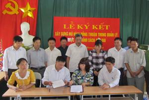 Chính quyền và nhân dân xã Quy Hậu cam kết thực hiện mô hình đồng thuận.
