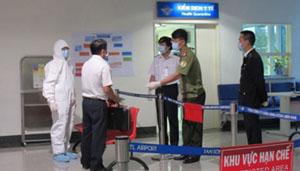 Kiểm soát dịch tại sân bay.