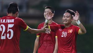 Các cầu thủ U23 Việt Nam ăn mừng bàn thắng trong trận đấu. (ảnh: Tuổi Trẻ)