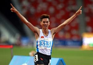 VĐV Dương Văn Thái giành HCV ở nội dung chạy 1.500 m nam. Ảnh: QUANG THẮNG