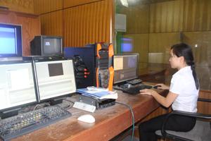 Đài TT -TH huyện Lạc Sơn được đầu tư trang thiết bị hiện đại đáp ứng nhiệm vụ chuyên môn.