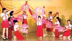 Các trường học trên địa bàn huyện Kỳ Sơn sôi nổi các hoạt động văn hóa - văn nghệ.