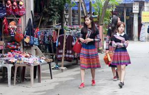 Bản Lác, xã Chiềng Châu trở thành điểm du lịch cộng đồng thu hút nhiều du khách đến thăm quan.