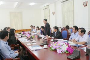 Đồng chí Bùi Văn Cửu, Phó Chủ tịch TT UBND tỉnh phát biểu tại buổi tiếp và làm việc với Tổ chức Kenan.