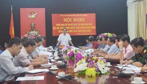 Đồng chí Nguyễn Văn Quang, Chủ tịch UBND tỉnh, Trưởng BCĐ ATTP tỉnh phát biểu chỉ đạo hội nghị.