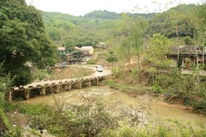 Hệ thống cầu, đường xã Phúc Sạn (Mai Châu) từng bước được đầu tư  nâng cấp, đảm bảo an toàn giao thông trong mùa mưa lũ.