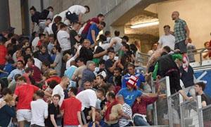 Cổ động viên Anh và Nga hỗn loạn sau trận đấu Anh - Nga tại Marseille (nguồn: EPA)