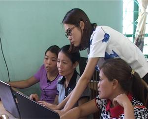 Cán bộ CĐCS được tập huấn sử dụng phần mềm kế toán công đoàn 2014.