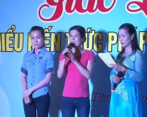 Đoàn viên nữ chia sẻ kiến thức pháp luật và gia đình tại buổi giao lưu.