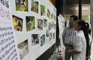 Trẻ em xã Đú Sáng, huyện Kim Bôi được trang bị các kiến thức về phòng tránh tai nạn thương tích tại các buổi truyền thông bằng hình ảnh trực quan sinh động.