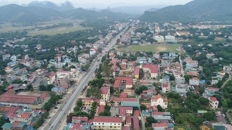 Bước đột Pha ở Thị Trấn Lương Sơn