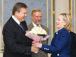 Mỹ rất thận trọng trong việc thiết lập lại quan hệ với Ukraine
