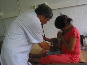 Trẻ em nhập viện tăng mạnh với các bệnh liên quan đến thời tiết nắng nóng.