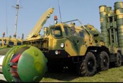 Hệ thống tên lửa tầm xa S-400 của Nga.