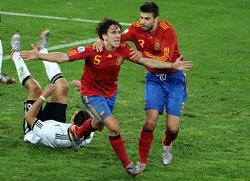 Puyol sẽ còn nhớ mãi khoảnh khắc đánh đầu tung lưới ĐT Đức