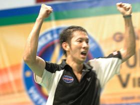 Tiến Minh có chức vô địch đầu tiên trong năm 2010.