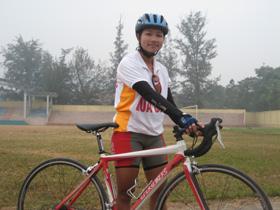 VĐV Hoàng Minh Phương - HCV nội dung cá nhân nữ băng đồng giải xe đạp trẻ toàn quốc lần thứ XVI.