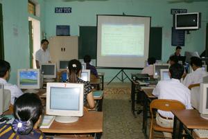 Các học viên được học và ứng dựng CNTT vào công việc thực tế.