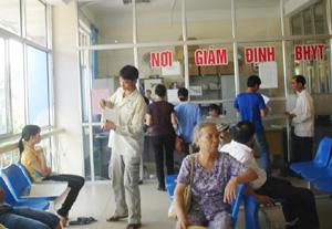 Bệnh viện Đa khoa tỉnh đẩy mạnh cải cách thủ tục hành chính trong KCB bằng thẻ BHYT, giảm phiền hà, khó khăn cho người bệnh.