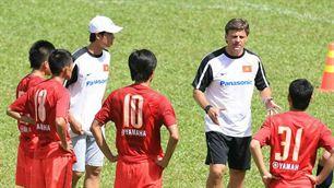 Thầy trò HLV Falko Goezt sẽ gặp đối thủ mạnh là Qatar ở vòng loại wc thứ 2.
