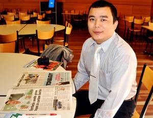 Các công trình nghiên cứu của Đình Hùng đã được nhiều tạp chí chuyên ngành trên thế giới đánh giá cao.