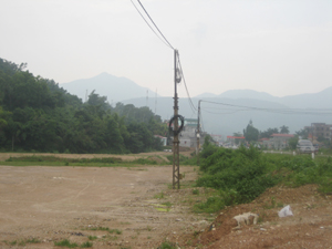 Dự án đầm Cống Tranh, thị trấn Kỳ Sơn (Kỳ Sơn) đã cấp đất vào hành lang an toàn công trình lưới điện.