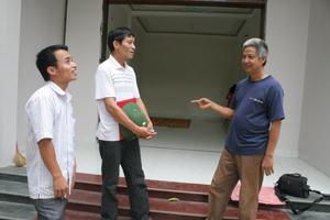 Gia đình ông Phạm Bá Hòa, đội Tây Phong, xã Tây Phong được hỗ trợ 15 triệu đồng xây dựng ngôi  nhà mới.