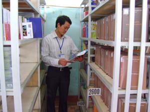 Thư viện huyện Lương Sơn mở cửa 8 giờ/ngày phục vụ bạn đọc vào dịp nghỉ hè.