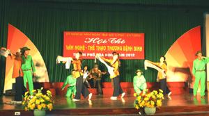 Một tiết mục múa tại hội thi VH – TT thương bệnh binh thành phố Hòa Bình.