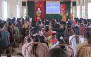 Quang cảnh lớp tập huấn bồi dưỡng kiến thức giáo dục BVMT.