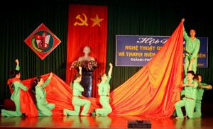 Các đơn vị mang đến hội diễn là những tiết mục có giá trị nghệ thuật cao. Trong ảnh: tiết mục biểu diễn của đơn vị phường Đồng Tiến (TPHB).
