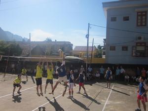 Một trận thi đấu tại giải