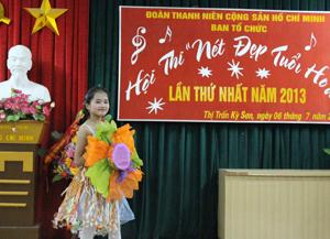 Thí sinh Nguyễn Hà Thu đạt giải thời trang ấn tượng nhất.