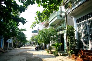 Nhiều gia đình khu vực Thủy Sản, phường Phương Lâm (TPHB) đã xây dựng nhà kiên cố nhưng chưa được cấp giấy chứng nhận quyền sử dụng đất.