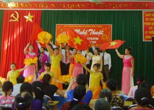 Một tiết mục hát, múa tại Hội diễn.