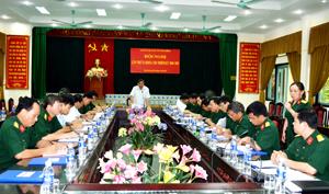 Đồng chí Hoàng Việt Cường, Bí thư Tỉnh ủy, Bí thư ĐUQS tỉnh phát biểu kết luận Hội nghị.
