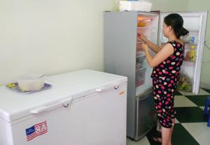 Được tuyên truyền các nội dung thiết thực về tiết kiệm điện, chị Hồ Thị Minh Nguyệt (tổ 10, phường Phương Lâm, TPHB) đã sử dụng các thiết bị điện trong gia đình một cách hợp lý, an toàn và tiết kiệm hơn