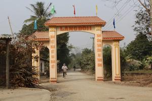 Nhân dân xóm Đoi I, xã Ngọc Lương luôn nêu cao ý thức giữ gìn cảnh quan xanh - sạch - đẹp phấn đấu xây dựng môi trường văn hoá nông thôn.