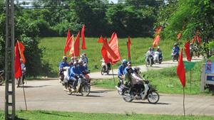 Các lực lượng tham gia diễu hành hưởng ứng Tháng hành động phòng, chống ma túy năm 2014.