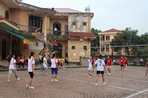 Giải bóng chuyền huyện Đà Bắc tổ chức năm 2014 đã thu hút 100% CLB bóng chuyền trên địa bàn tham gia.