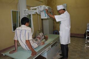 Bệnh viện đã đưa vào sử dụng máy chụp XQ KTS góp phần nâng cao chất lượng khám, chẩn đoán bệnh.