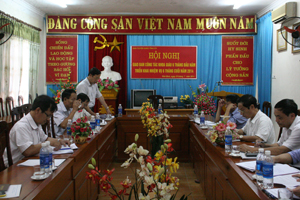 Đồng chí Nguyễn Văn Toàn, TVTU, Trưởng Ban Tuyên giáo Tỉnh ủy phát biểu tại hội nghị.
