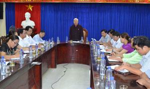 Đoàn công tác của UBMTTQ tỉnh giám sát tại huyện Lạc Sơn về thực hiện chính sách đối với đồng bào DTTS.