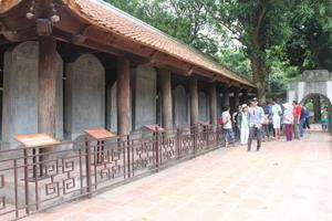Nơi lưu 82 bia Tiến sỹ là điểm nhấn tôn vinh sự hiếu học luôn thu hút khách thăm quan  tại Văn Miếu - Quốc Tử Giám.